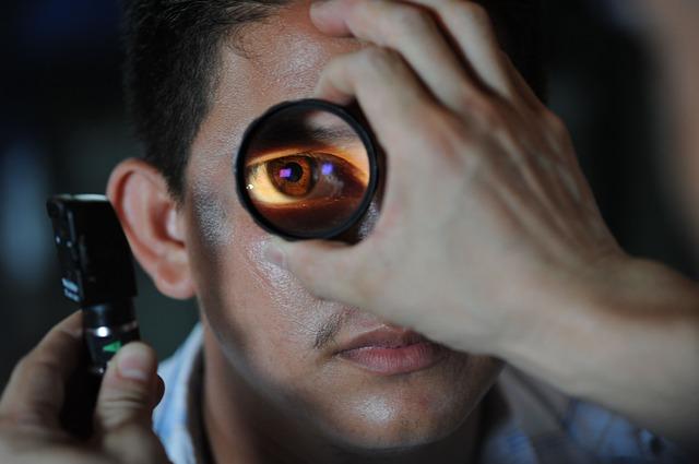 Examenes en clinicas oftalmologicas